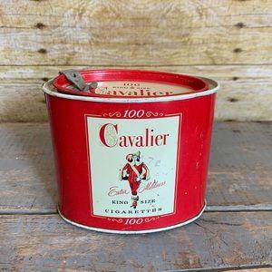 🍱Antique Cavalier 100 King Size Cigarettes Tin
